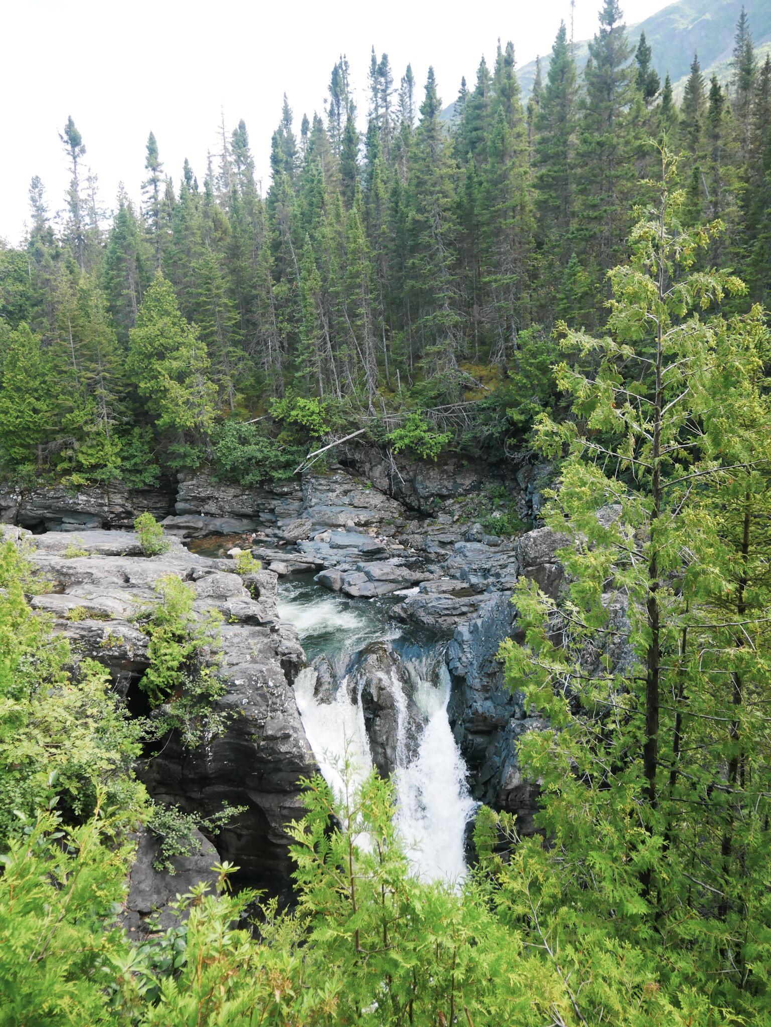 Chutes Saint-Anne en Gaspésie - Roadtrip au Québec, Canada - Blog Voyage Ma Folie Vagabonde