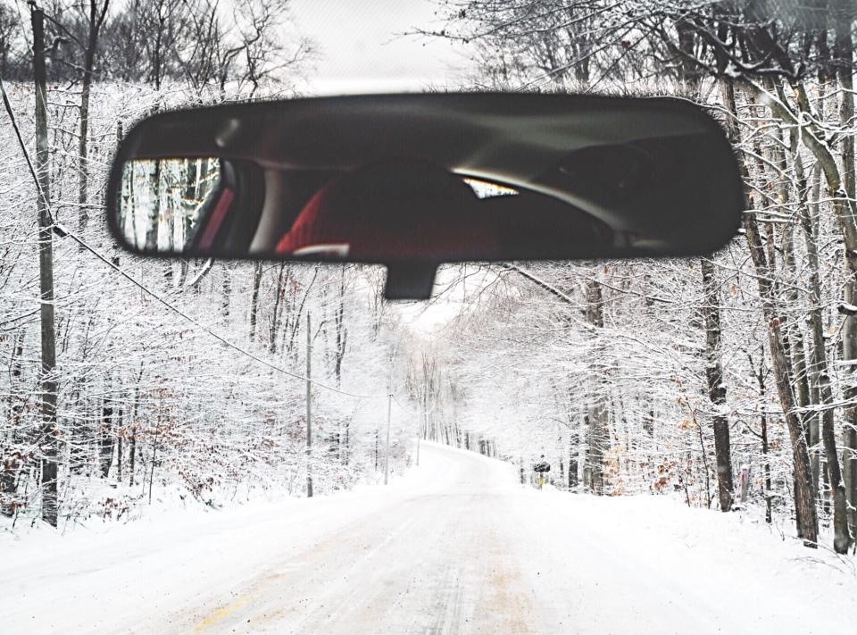 Route enneigée à Mont-Tremblant - L'Hiver à Montréal, Canada - Blog Voyage Ma Folie Vagabonde
