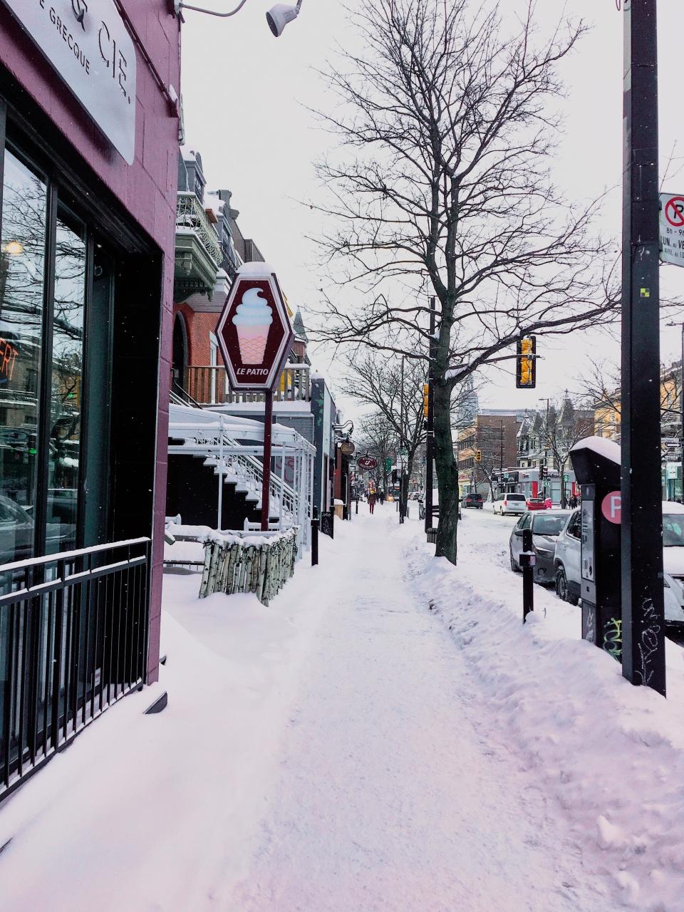 Avenue MontRoyal sous la neige - L'Hiver à Montréal - Blog Voyage Ma Folie Vagabonde
