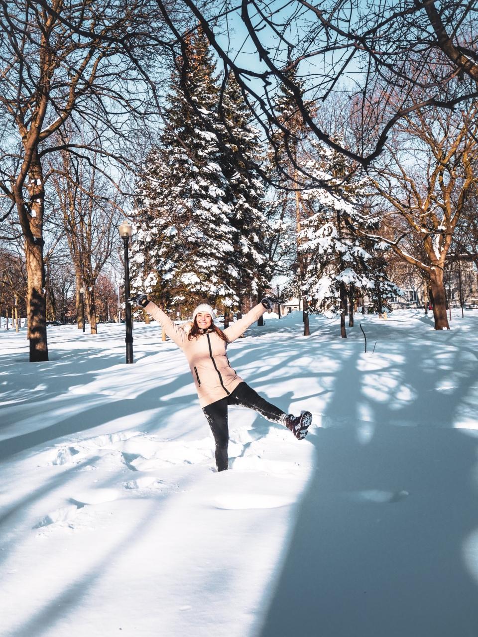 Le Parc La Fontaine sous la neige - L'Hiver à Montréal, Canada - Blog Voyage Ma Folie Vagabonde
