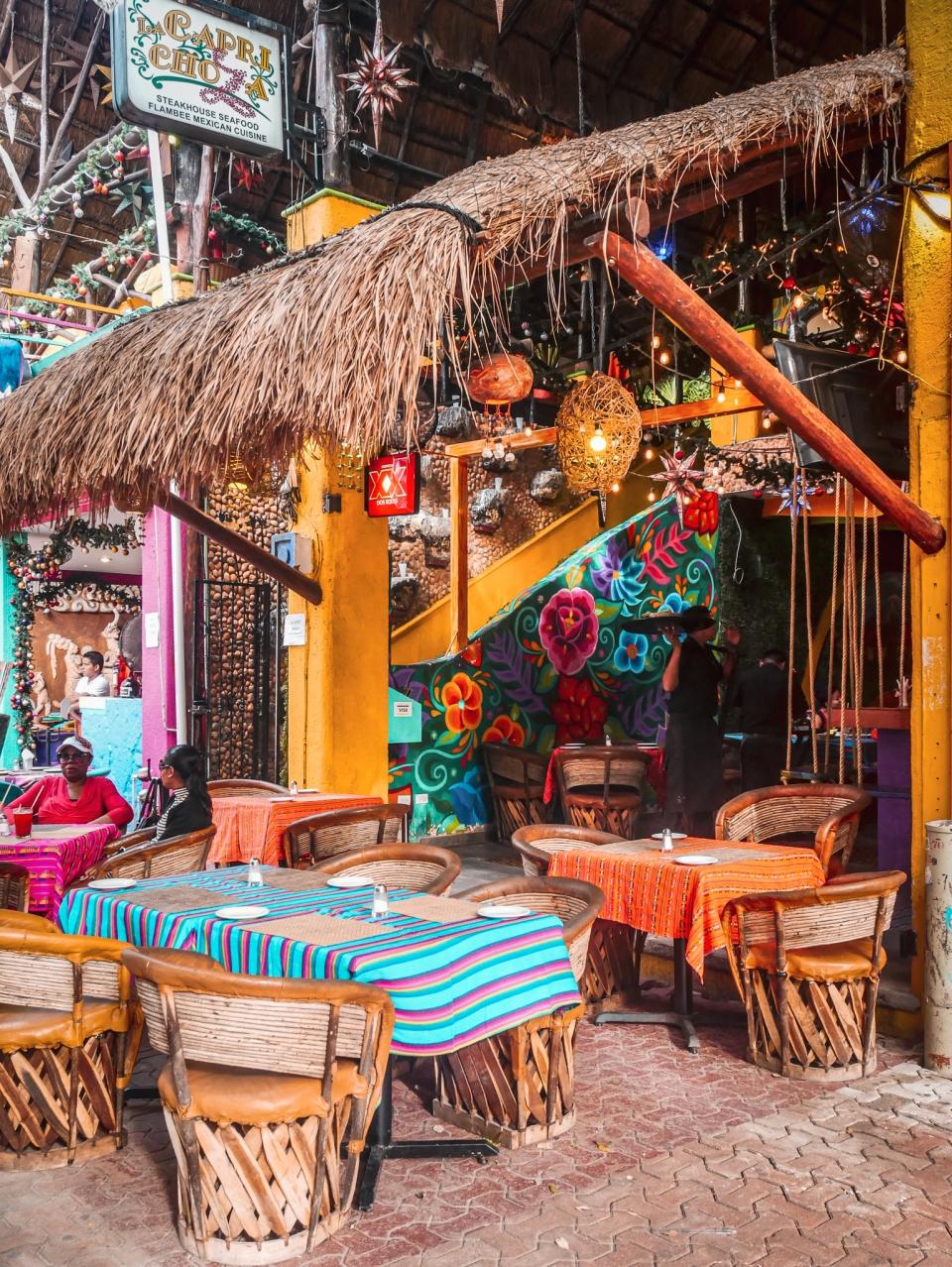 Restaurant sur Playa del Carmen - Roadtrip 10 jours au Mexique - Blog Voyage Ma Folie Vagabonde